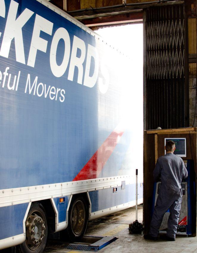 Truck repair servicing
